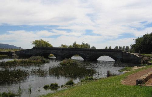 Puente Ross Tasmania
